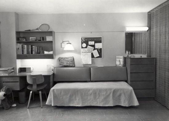 上个世纪六十年代的宿舍照片。