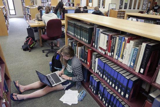 低龄留学:去美国高中读书要有心理准备-美国高中网