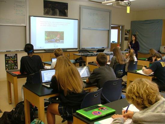 美高留学不简单:公立高中用法律管理学生-美国高中网