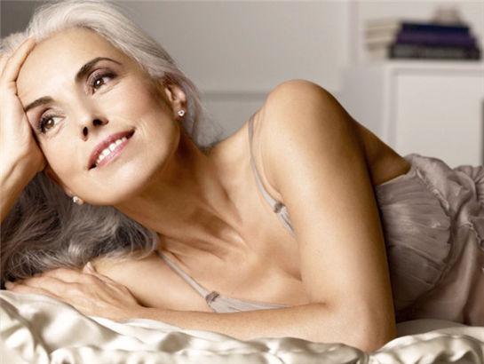 光看照片,你猜不到她已经59岁了