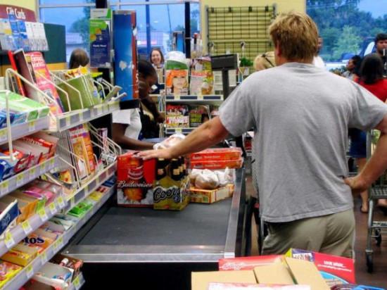 在美国当教授的收入还不如杂货店打杂?
