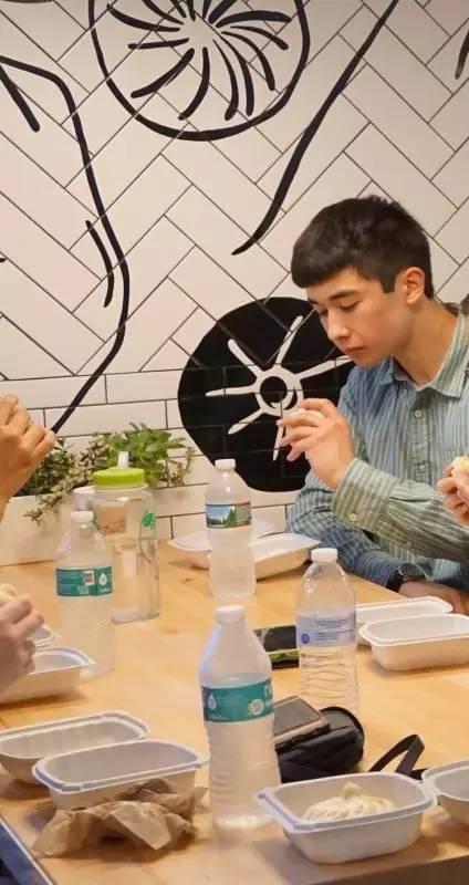 哈佛门口中国网红包子店销售额破2亿