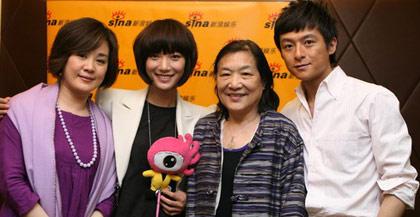 丛珊王珞丹李苒苒朱雨辰(左起)