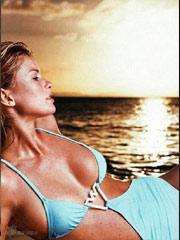 玛丽莎-米勒沙滩写真