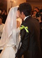 仪式上的神圣一吻