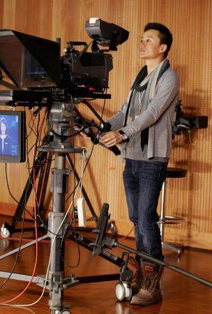 爱上女主播浙江卫视版_今日,由华谊天意影视公司联合浙江卫视打造的时尚大戏《爱上女主播》