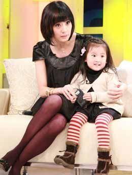 贾静雯争与女儿过春节妥协愿送梧桐妹赴美读书
