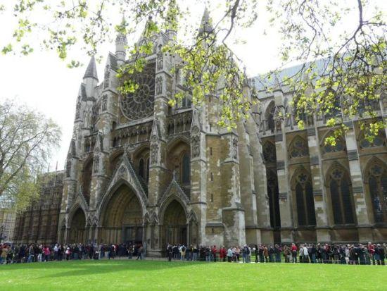 策划:英国皇室大婚风俗考无规矩不成皇室
