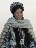 佘诗曼饰察必皇后