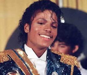 迈克尔-杰克逊横扫第26届格莱美