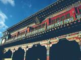 大昭寺古老的庙宇在晴空下静