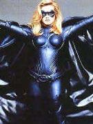 艾丽西亚饰蝙蝠女《蝙蝠侠与罗宾》