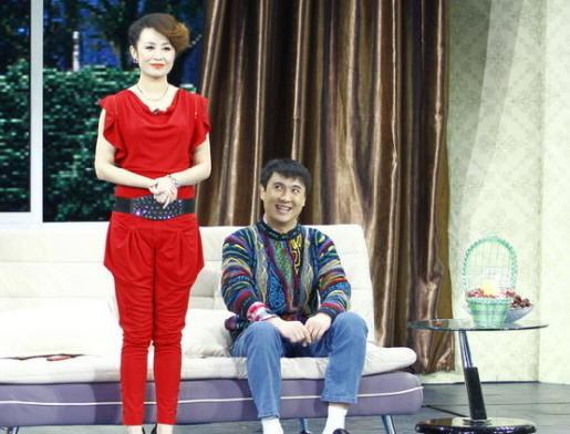 沈腾在央视春晚小品《今天的幸福2》中饰演的角色郝建邻人印象深刻