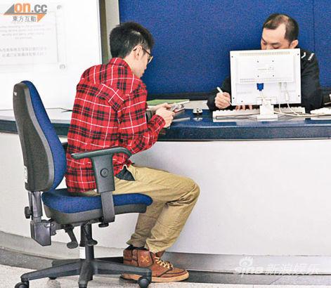 劉家輝兒子冼峻龍失去父親下落,昨天(3月6日)前往警署報案。