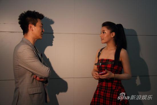江映蓉和吳樾聊天