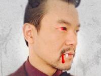 廖凡眼睛受伤 深夜PS吸血恶魔造型吓网友