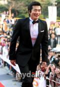 韩国百想艺术大赏揭晓热门大点将只求都欢喜