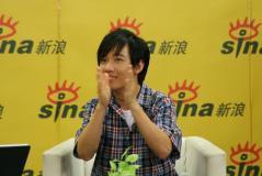 实录:阿牛拍手为中国加油在成都为志愿者鞠躬