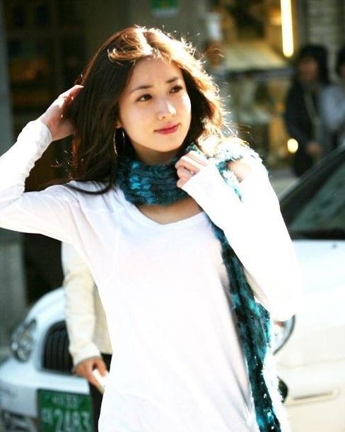 资料图片:韩国美女明星崔贞媛写真(16)