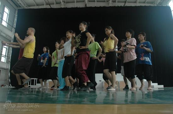 资料图片:电影《爱我就给我跳支舞》剧照(10)