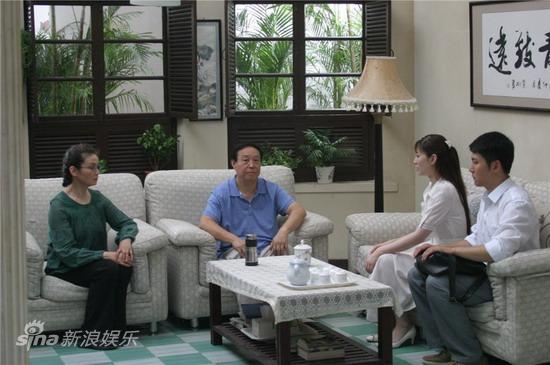 资料图片:电视剧《春暖花开》精彩剧照(16)