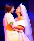 苏菲与思凯甜蜜的婚礼现场