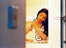 刘亦菲在自家浴室