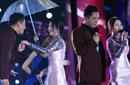 杨钰莹与毛宁伞下合唱