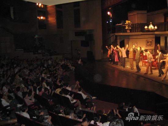 《最后的斗争》18日上演雷恪生:演话剧太过瘾