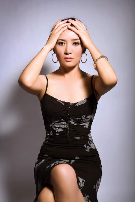 资料图片:国家话剧院女演员--杨静