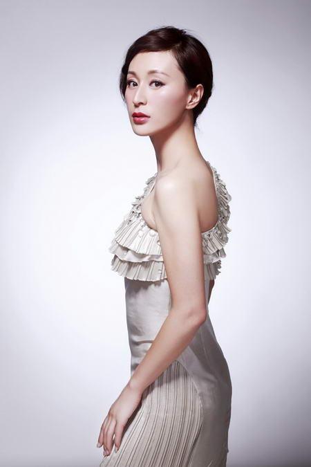 资料图片:国家话剧院女演员--杨雨婷