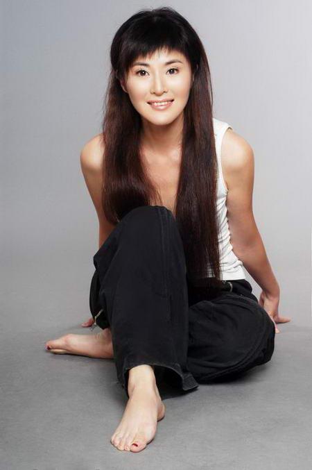 资料图片:国家话剧院女演员--田岷