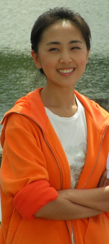 资料:话剧《深圳日记》演员--吴晓丹饰演梅雨