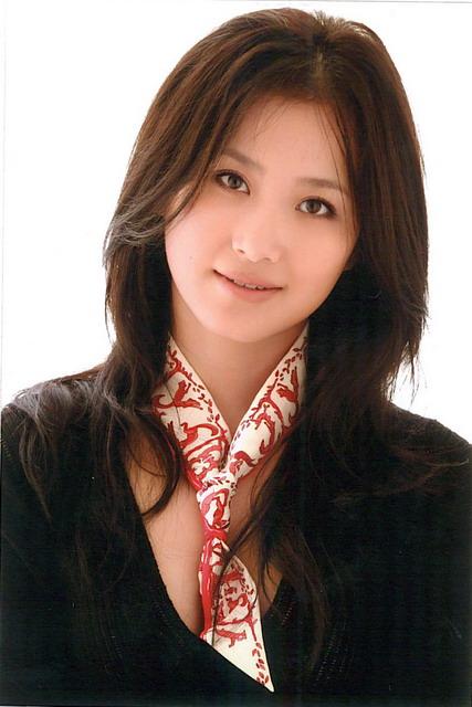 资料图片:国家话剧院女演员--刘晶晶