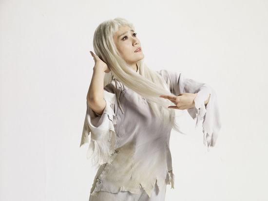 6月30日新版《白毛女》将上演,谭晶白毛仙姑造型曝光