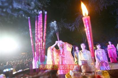 中秋拜月仪式_中秋夜草堂再现拜月仪式 晚会邀请市民同赏月