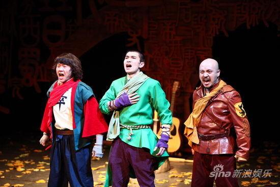 彭梓桁、孙博、郑磊三位男主演扛下了全部演出阵容