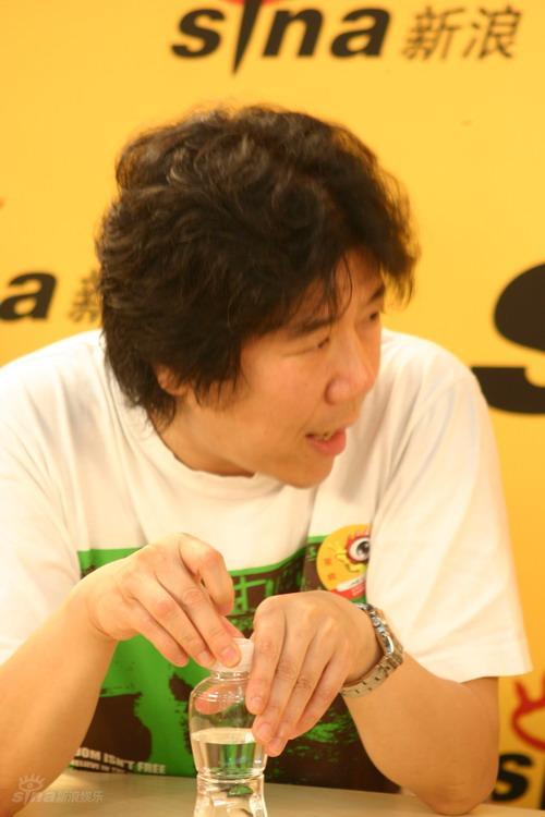 图文:《恋爱的犀牛》做客-孟京辉谈蜂巢剧场