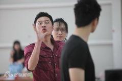 田沁鑫首次排喜剧制作人李东被徐峥忽悠(组图)