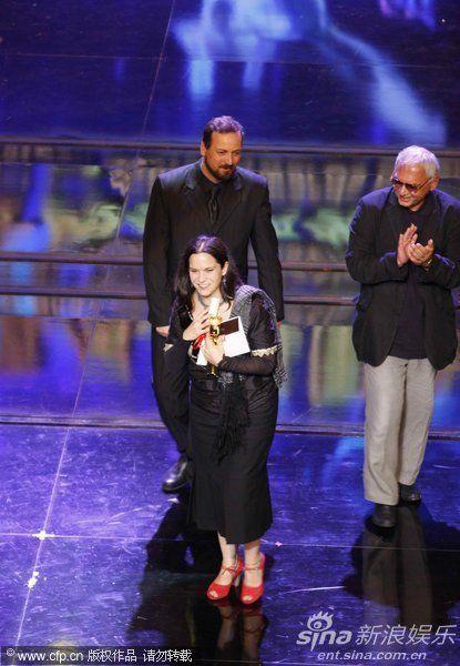 普鲁内达凭《悲伤成梦》获最佳女演员