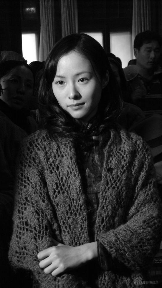 江一燕被赞秀外慧中不俗演技折服《南京南京》