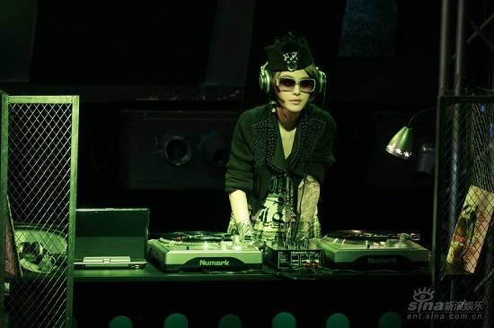 《精舞门》国内热映范冰冰DJ形象成亮点(图)