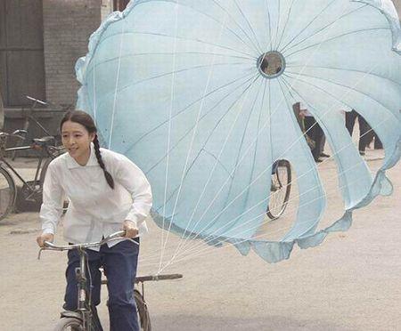 """张静初拍《唐山大地震》突破""""艺术片女主角"""""""