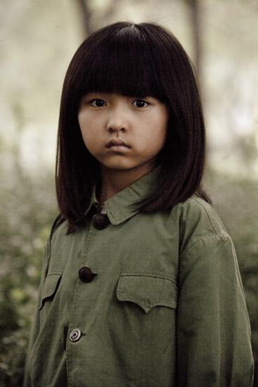 《大地震》小演员张子枫成为华谊签约艺人(图)