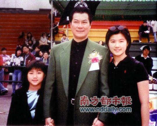 邓光荣告诫女儿不要发明星梦,她们都没进娱乐圈