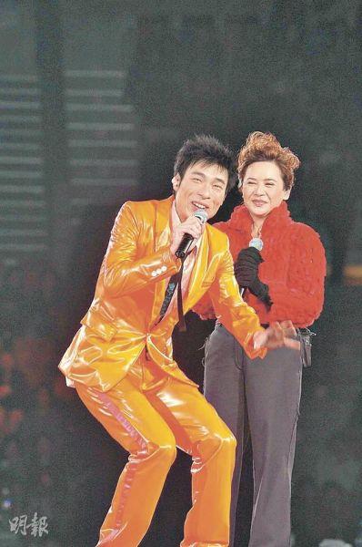 许志安跟叶德娴分别于歌曲《教我如何不爱他》及《美中不足》两次合作,大家感情要好,因此这次前辈封后,许志安当然开心不已。