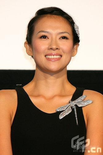 组图:《梅兰芳》日本首映章子怡秀钻戒钻表
