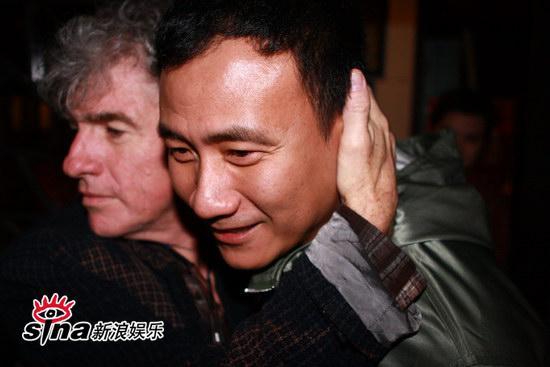 图文:刘嘉玲和友人用餐-杜可风揽胡军