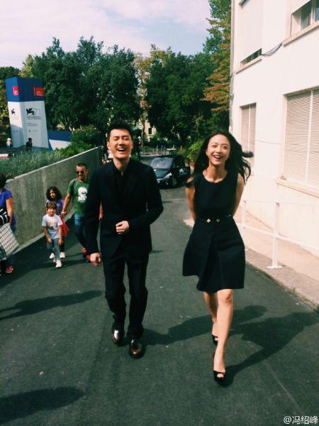 冯绍峰汤唯威尼斯街头傻笑