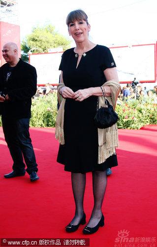 《黎巴嫩》威尼斯首映女主角着花裙焦点(图)